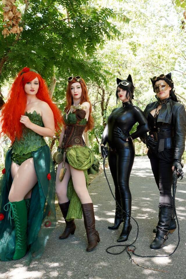Poison Ivy and Bat Woman